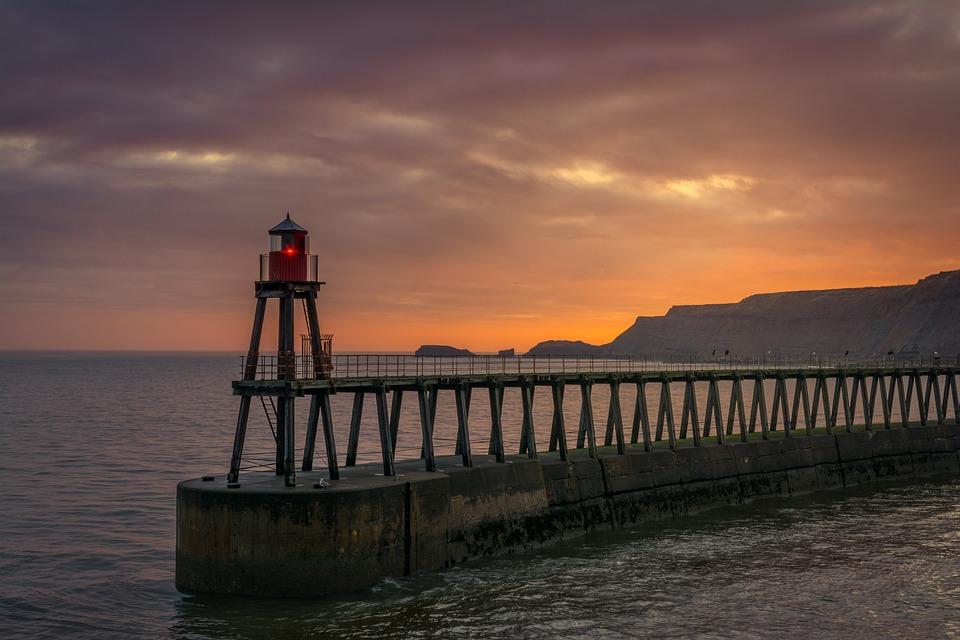 whitby, east pier, beacon
