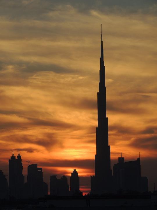 burj khalifa, at the top, reach out